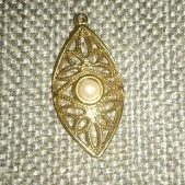 (1325) Gold Plated Open Filigree Pearl Center Pendant