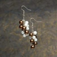 (252) Brown_White_Pearl_Cluster_Earrings
