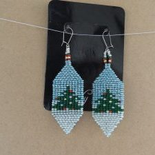 (494) Handwoven Christmas Tree Earrings